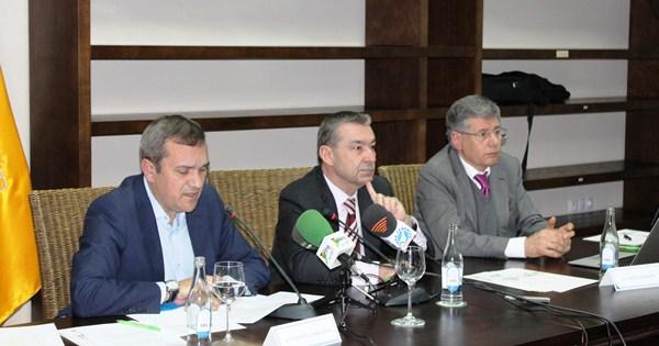 González, Rivero y Castellano explican las ventajas del Plan de Modernización del Sector Turístico. / DA