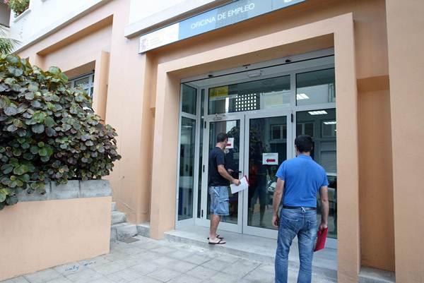 El Servicio Canario de Empleo registró 6.615 nuevos contratos en la capital en el mes de febrero. | C. B.