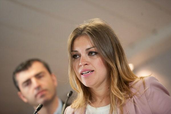 Tamara del Pino Encinoso fue presentada ayer al mediodía en la sede insular del PP en Santa Cruz. / FRAN PALLERO