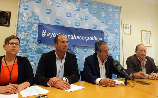 Tacoronte, Meca, Alarcó y Castañeda, ayer durante la rueda de prensa de los populares. | DA