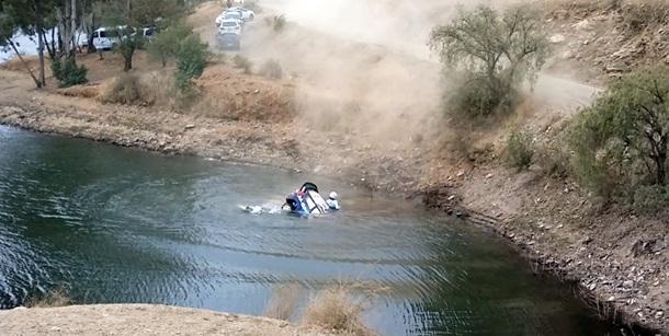 Ott  Tanak Ford Fiesta RS WRC cae al lago
