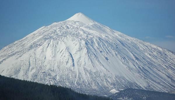 La primavera cubrió el Teide de nieve. |  <a href=