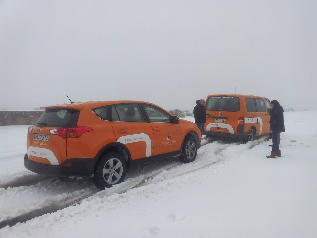 La primavera cubrió el Teide de nieve. | Teleférico