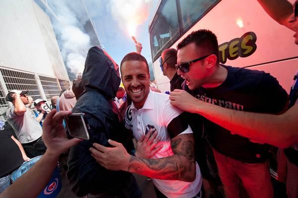 Vitolo, alentado por los seguidores tinerfeños. | FRAN PALLERO