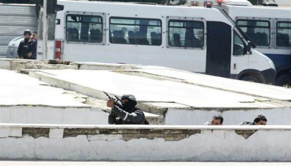 Imagen del operativo de ayer  contra los terroristas de Túnez.   REUTERS