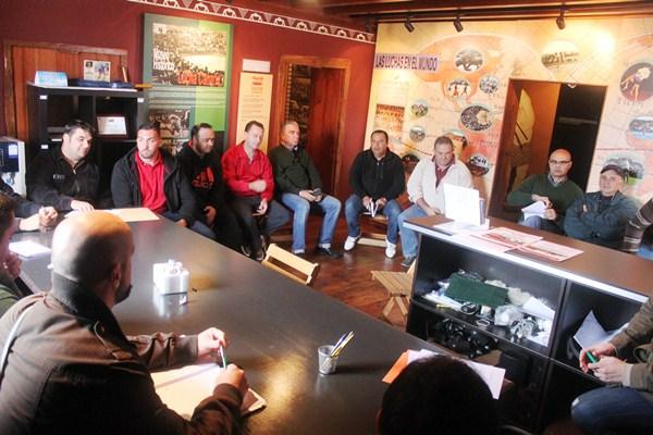 Una imagen de la reunión celebrada ayer en El Sauzal. / DA