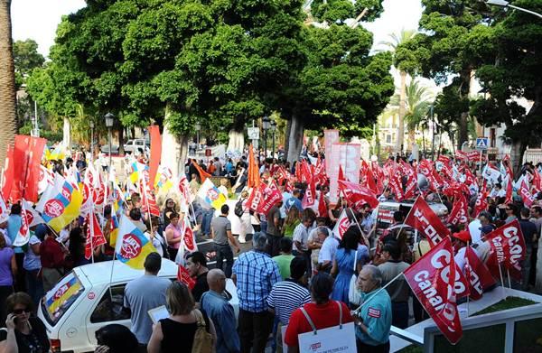 Manifestación convocada por los sindicatos en Canarias. | DA