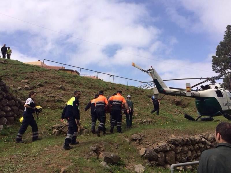El rescate supuso un gran despliegue por parte de los servicios de emergencias. | DA
