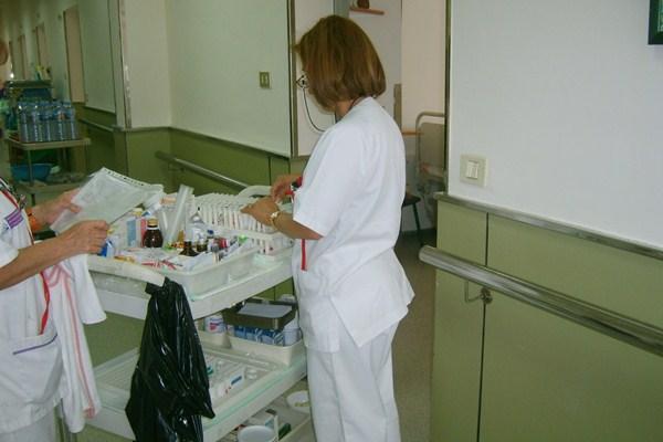 Las enfermeras, en el centro de la violencia hacia los sanitarios. / DA