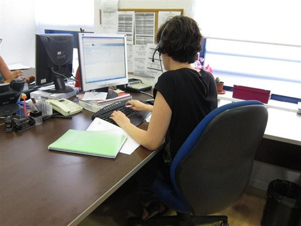 716.500 son las mujeres españolas que no encuentran trabajo  a pesar de contar con estudios universitarios. / DA