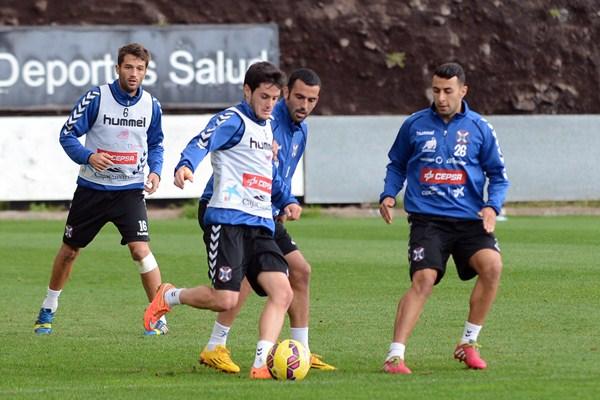 Ricardo y Cristo díaz, en la imagen junto a Sanz y Arnáez, compiten por un puesto este fin de semana. / S. M.
