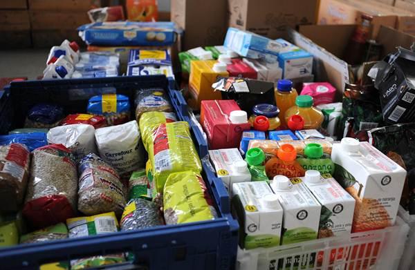 En el actual sistema de reparto priman los productos no perecederos frente a la necesidad de frutas y verduras demandadas por los usuarios. | S. M.