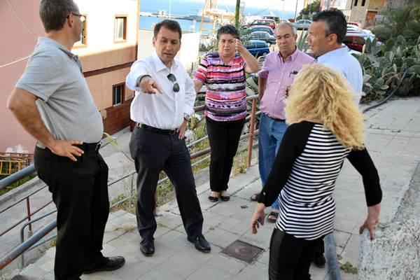 El alcalde realizó una visita a María Jiménez para comprobar la ejecución de las obras de emergencia. | DA