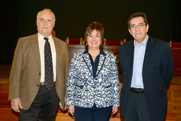 Capafons (i), Alegre y Martinón, antes de la presentación de sus programas de gobierno al Claustro. / S. MÉNDEZ