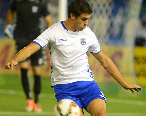 Unai  Albizua, jugador del CD Tenerife. / SERGIO MÉNDEZ