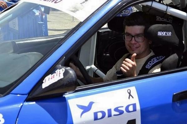 Edgar Morales Luis (Mitsubishi Evo VI) logró la victoria en carrozados en la mítica rampa palmera. / DA
