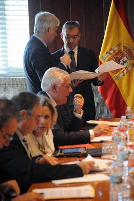Momento previo a la reunión del Consejo de Gobierno, ayer. / DA