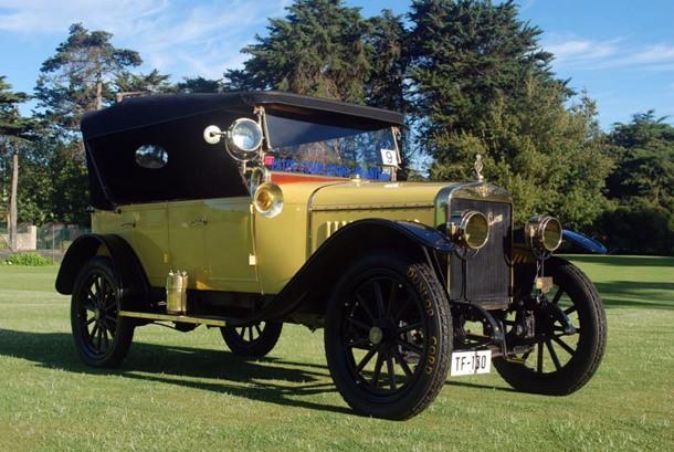 Hispano Suiza (1914), el único que existe en Tenerife, y de los pocos que hay en el mundo. | DA