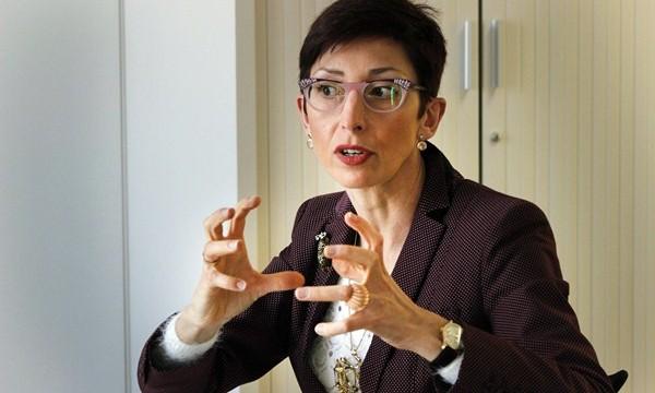 """Isabel Fernández: """"La universidad privada ofrece títulos que no son rentables en la pública"""""""