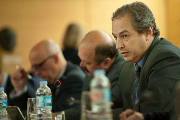 El consejero José Luis Delgado, durante un pleno del Gobierno insular. | FRAN PALLERO