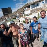 Doce familias viven en el poblado de casetas que se alza al lado de la playa del Muerto. / FRAN PALLERO
