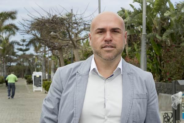 Marco González, candidato al Ayuntamiento de Puerto de la Cruz por el PSOE. |  SOFÍA CABRERA