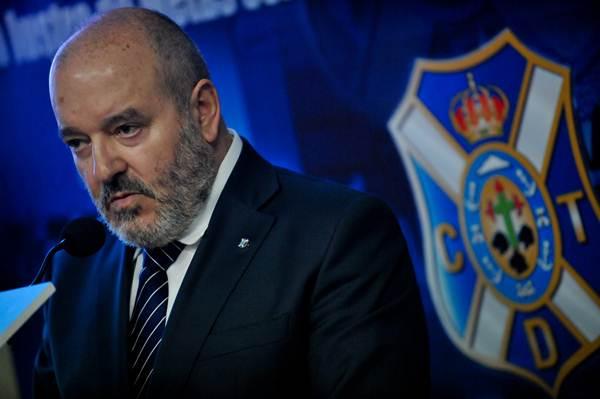 El presidente blanquiazul sabe que es importante no volver a caer en los errores de esta temporada. / F. PALLERO