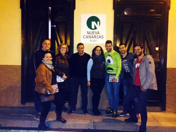 El equipo de Calzadilla, en la sede con el anagrama de NC. | DA