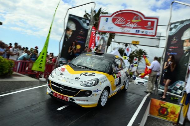 Opel Motorsport Team Spain en el Rally Villa de Adeje Salida Vallin