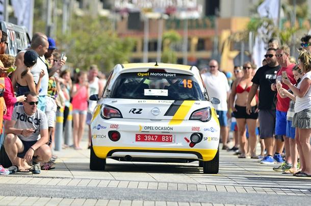 Opel Motorsport Team Spain en el Rally Villa de Adeje Salida Ángela Vilariño y Sara Fernández