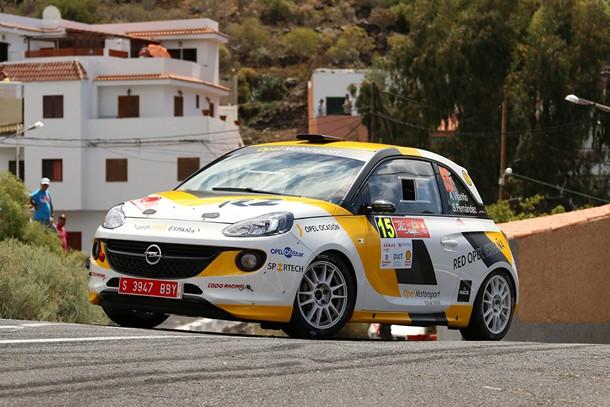 Opel Motorsport Team Spain en el Rally Villa de Adeje Ángela Vilariño y Sara Fernández