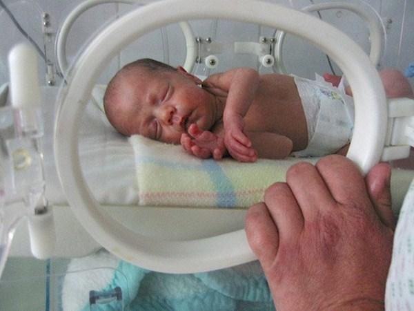 El 8% de los bebés isleños nacen antes de las 37 semanas. / DA