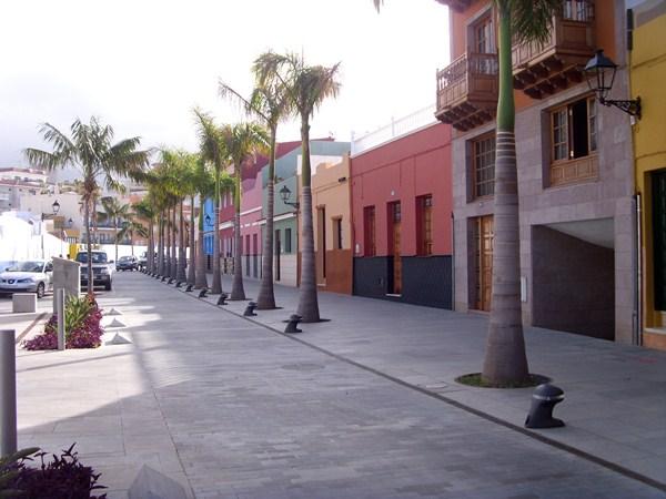 La calle Mequinez es una de las zonas peatonales que se verá afectada cuando se apruebe la ordenanza. / DA
