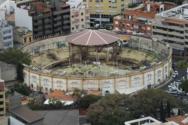 foto de archivo del estado lamentable del interior de la Plaza de Toros. | DA