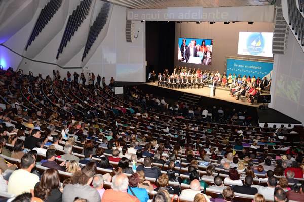 La sala principal del Auditorio de Tenerife se llenó, al igual que la de Cámara, con asistencia de simpatizantes y militantes de CC.   SERGIO MÉNDEZ