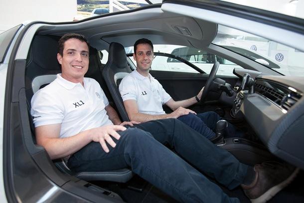 Raúl Alonso y Alberto Medina, de Volkswagen Canarias, participarán con el  primer XL1 matriculado en España. | DA