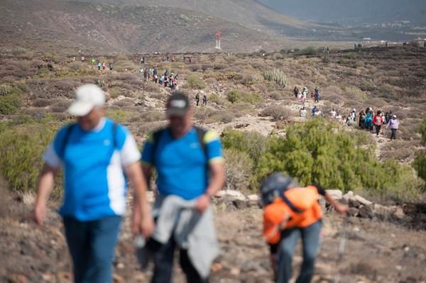 Los participantes bajaron desde los 1.500 metros de altitud hasta el nivel del mar. | FRAN PALLERO