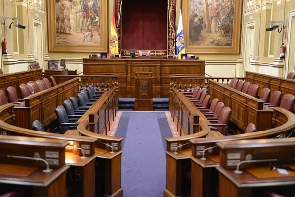 Salón de plenos del Parlamento de Canarias. | SERGIO MÉNDEZ