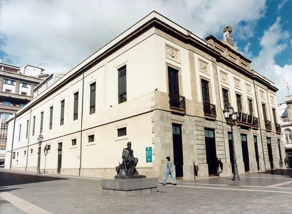 El Teatro Guimerá acogerá el sábado 11 de abril un homenaje musical a Santiago Sabina. / S.M.