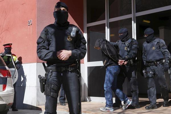 Los detenidos son diez hombres -uno menor de edad- y una mujer, de entre 17 y 45 años y nacionalidades española, marroquí y paraguaya. / EP