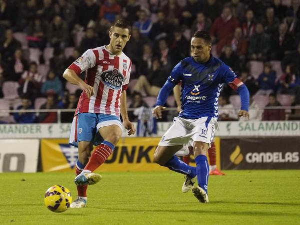 En la primera vuelta los blanquiazules cayeron 1-0 en Lugo con gol de Iriome a los 87 minutos. / PEDRO AGRELO