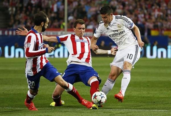 El Atlético y el Real Madrid empatan (0-0) en el Bernabeu. / REUTERS
