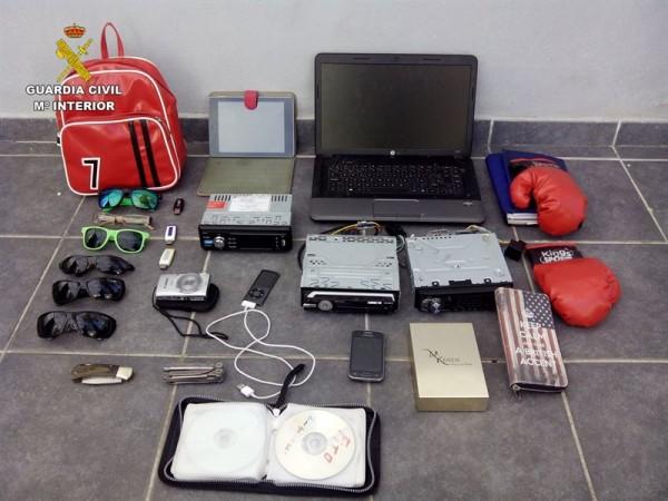 Material robado por el menor en Lanzarote.   DA