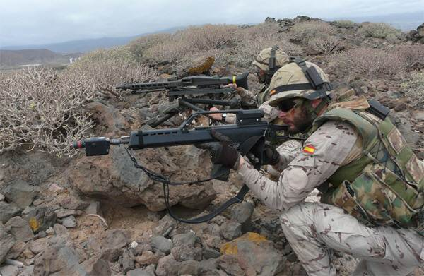 Unidades de Infantería, Artillería y Zapadores se coordinaron para cumplir los objetivos fijados. / E. DE TIERRA