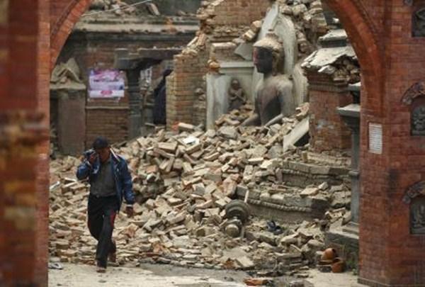 Tanto el terremoto como sus réplicas han causado una gran devastación en el país y en la región. / REUTERS