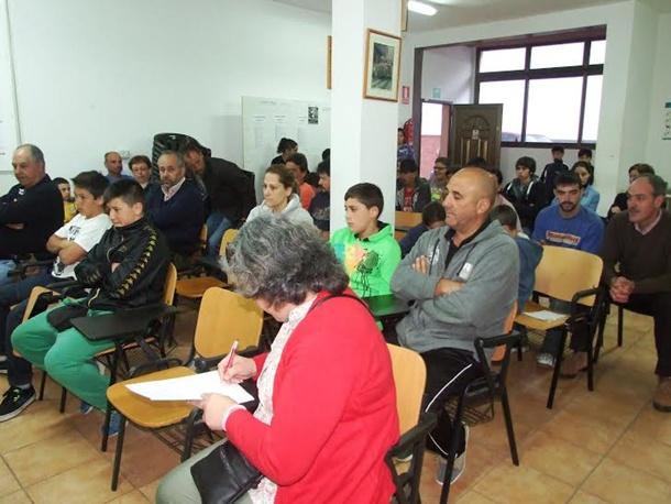 Reunión para organizar la Liga Infantil Jacinto Báez. | DA