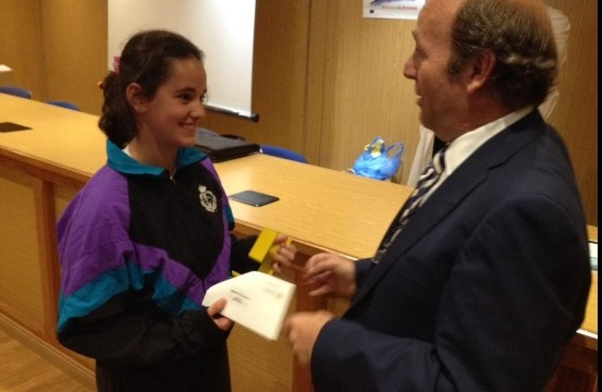 El Colegio Heidelberg distingue a la niña Alejandra Ayala