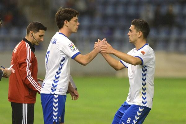 Guarrotxena y Cristo Martín son dos de los jugadores que han actuado en el flanco izquierdo esta Liga. / S. M.