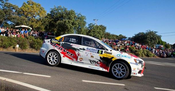 Cristian García (Mitsubishi Lancer Evo X) en el Rally de Sierra Morena.   DA