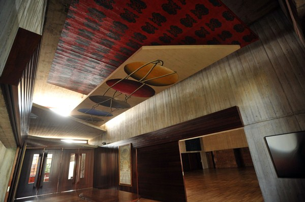 Interior del edificio donde tendrá su despacho en Tenerife quien presida el Gobierno canario. /FRAN PALLERO
